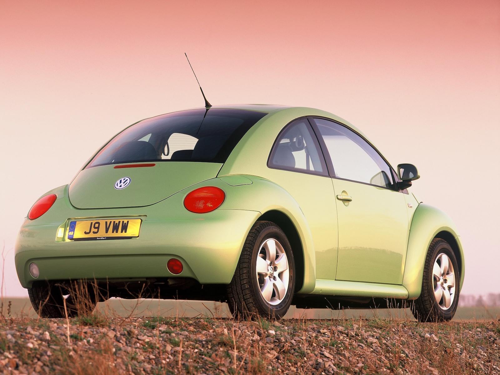 2001-Volkswagen_New_Beetle-2