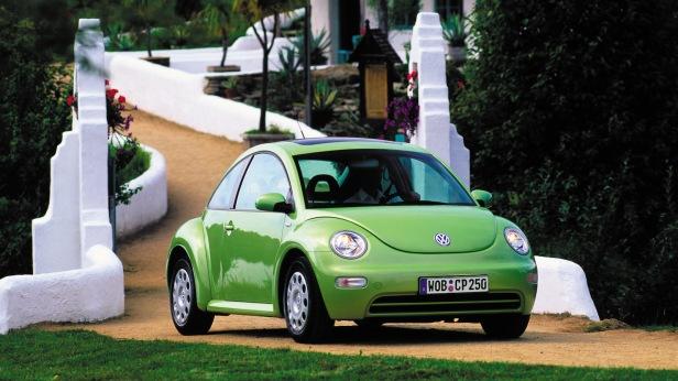 2001-Volkswagen_New_Beetle-1