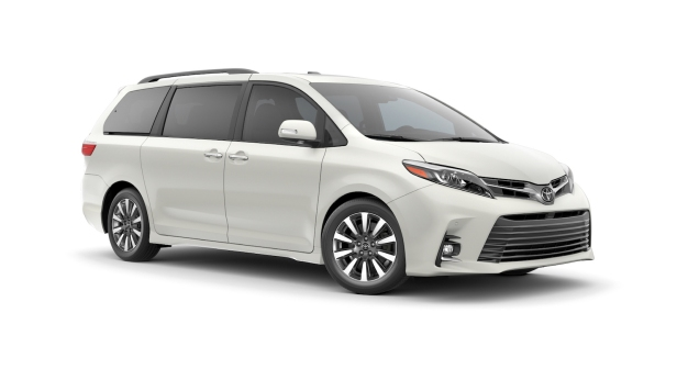 2018-Toyota_Sienna-1
