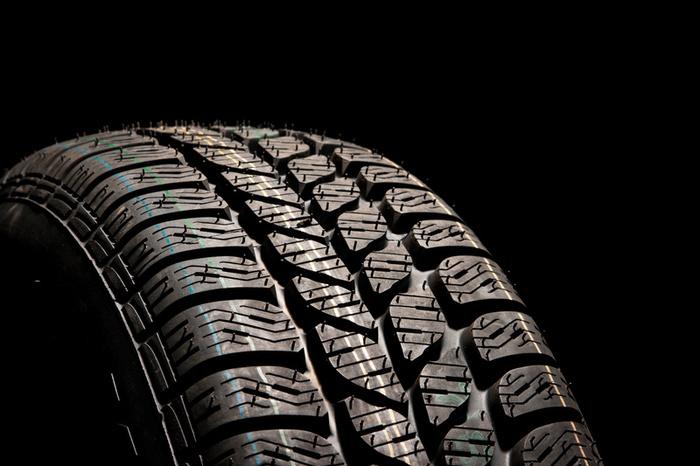 3733car_tire