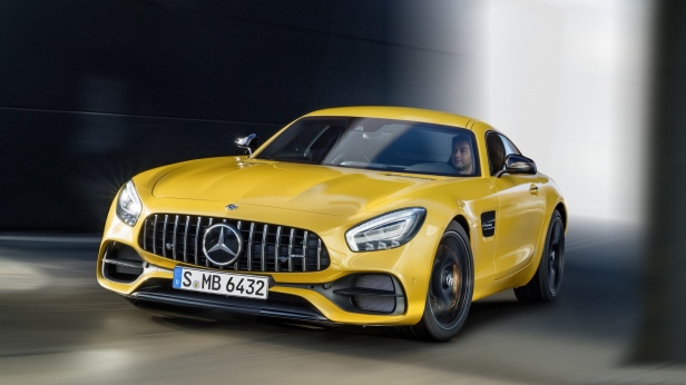 2018-Mercedes-AMG_GT-1