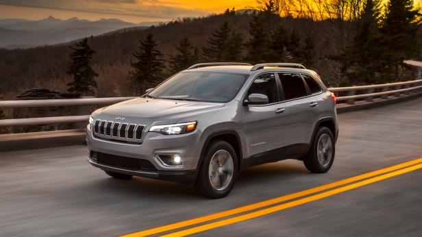 2019-Jeep_Cherokee-1