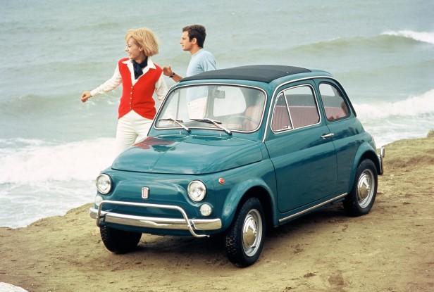 1968-1972-Fiat_500_De_Luxe-1