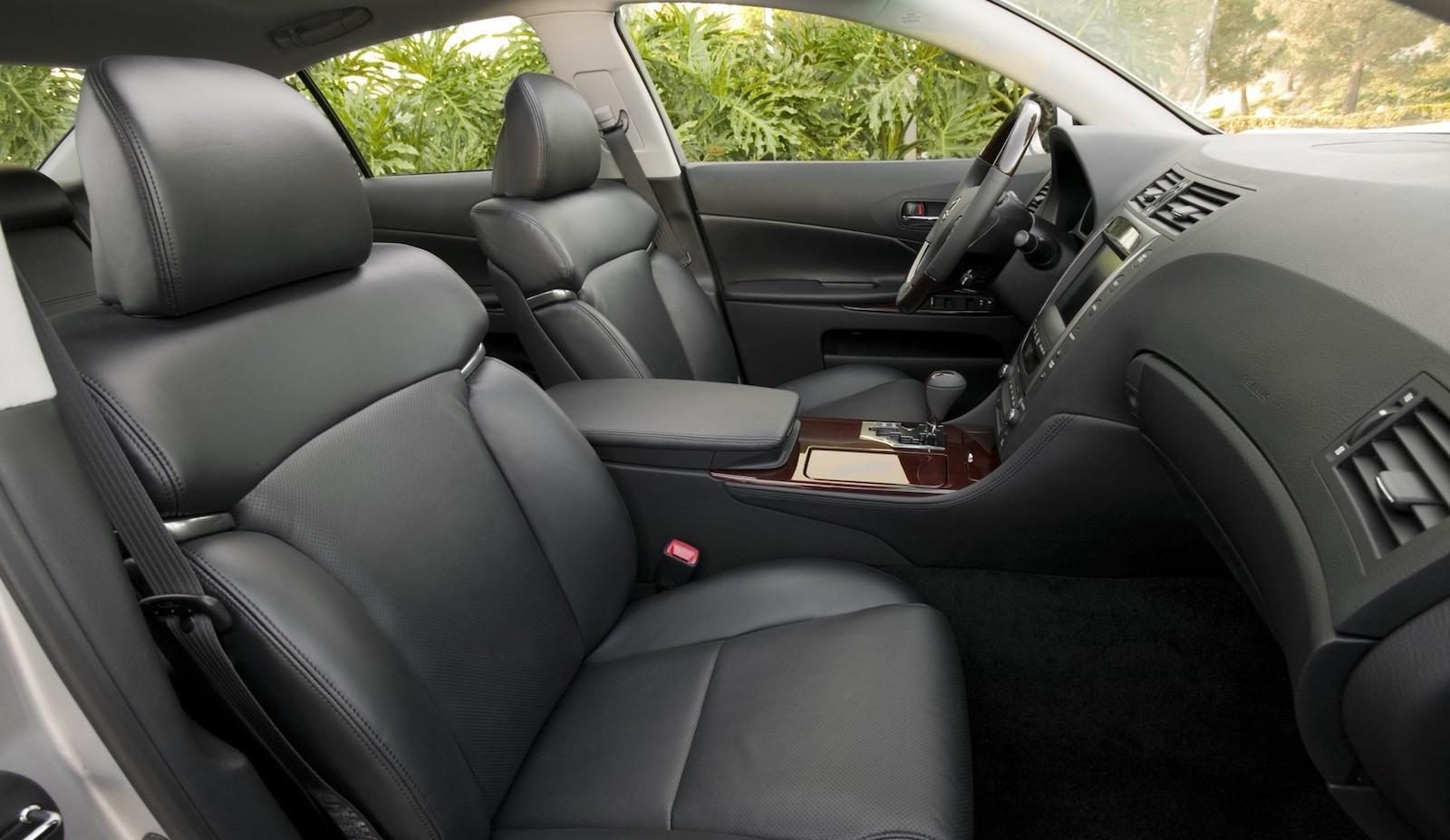 2007-Lexus_GS350_460-02