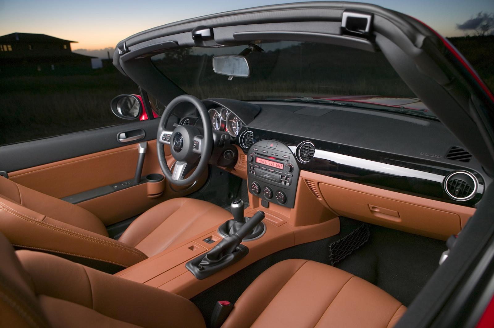 2007-Mazda_MX-5-3.jpg