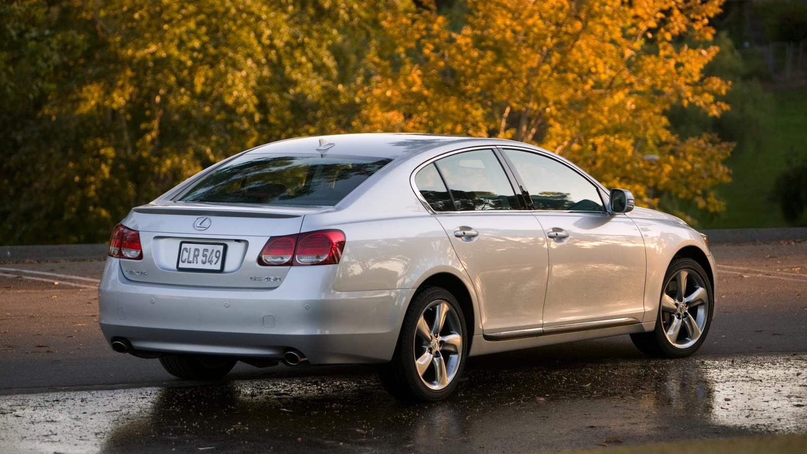 2008-Lexus_GS460-02