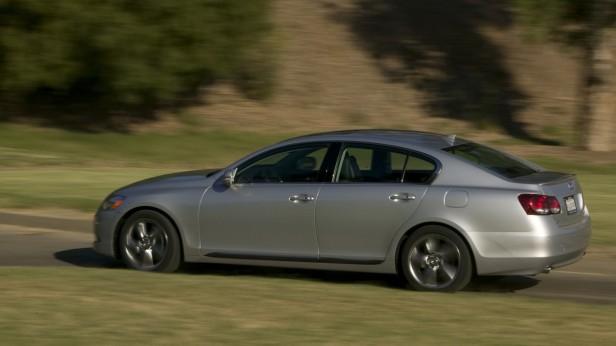 2008-Lexus_GS460-03