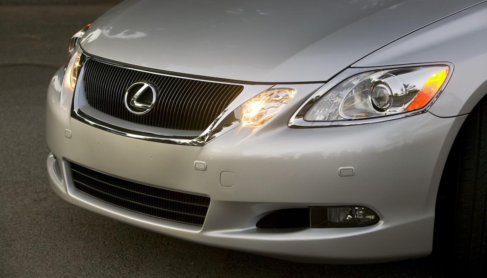 2008-Lexus_GS460-04