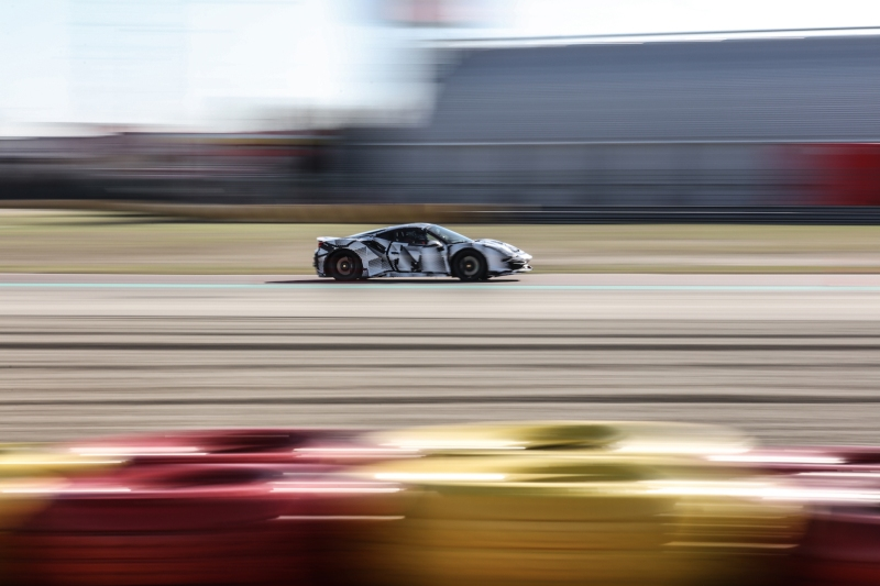 2018-Ferrari_488_Pista_SP-06