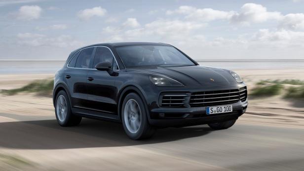 2018-Porsche_Cayenne-01