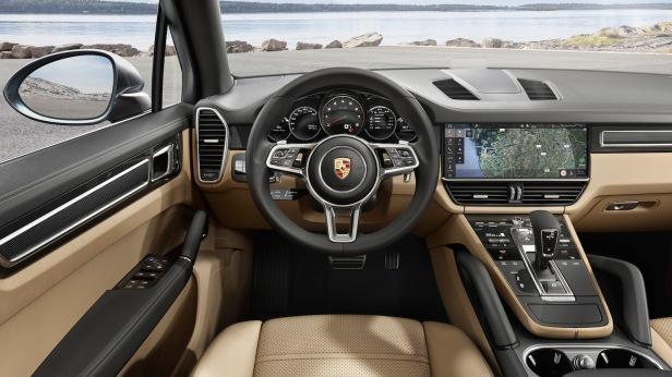 2018-Porsche_Cayenne-03