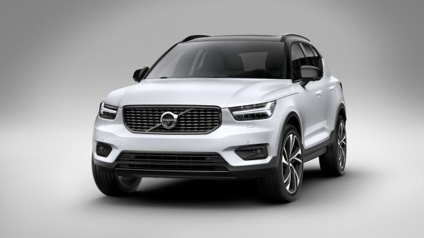 2019-Volvo_XC40-01