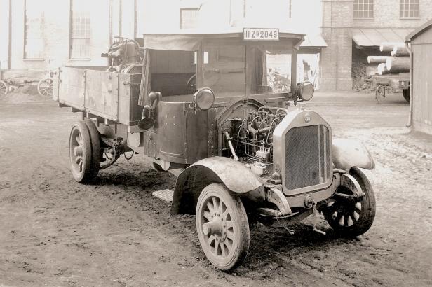 Der erste Lastwagen mit Direkteinspritzung, 1924.
