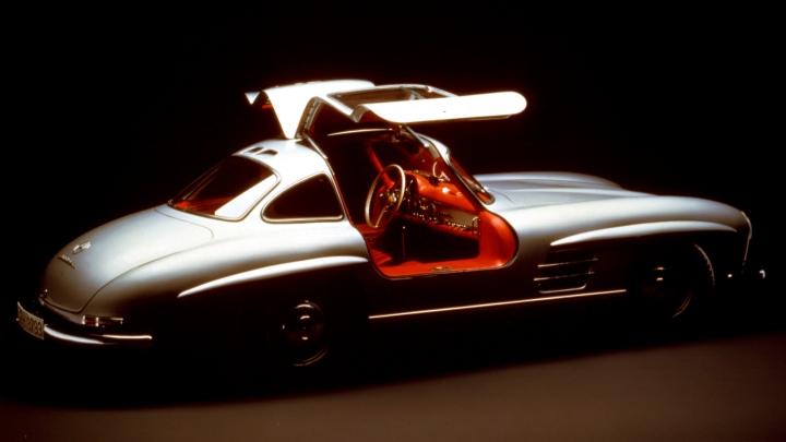 1954-Mercedes-Benz_300_SL-3
