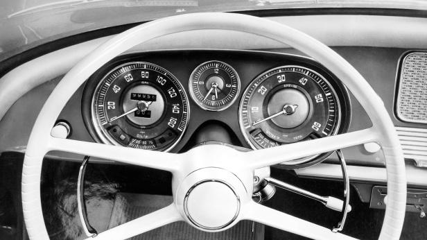 1955-BMW_507-2