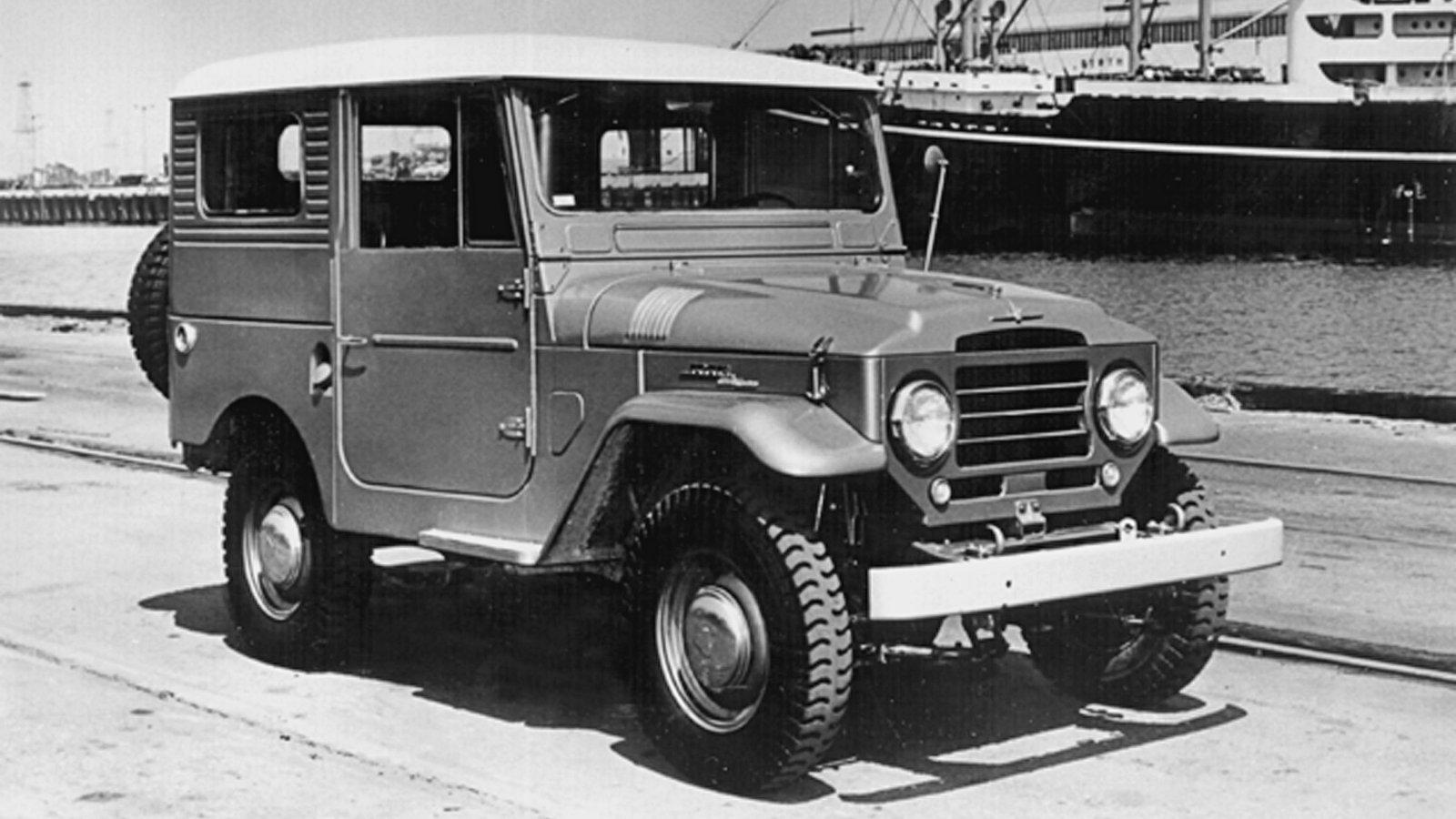 1960-Toyota_LandCruiser_FJ40-1