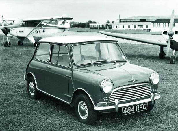 1966-Morris_Mini_Cooper_S-1