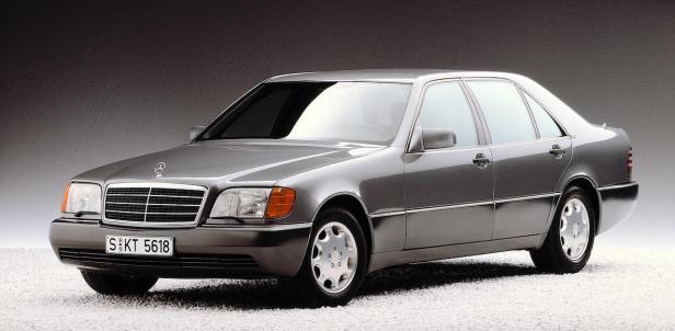 1991-Mercedes-Benz_S-Class(W140)-01
