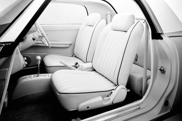 1991-Nissan_Figaro_4