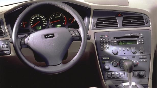 2000-Volvo_S60-3