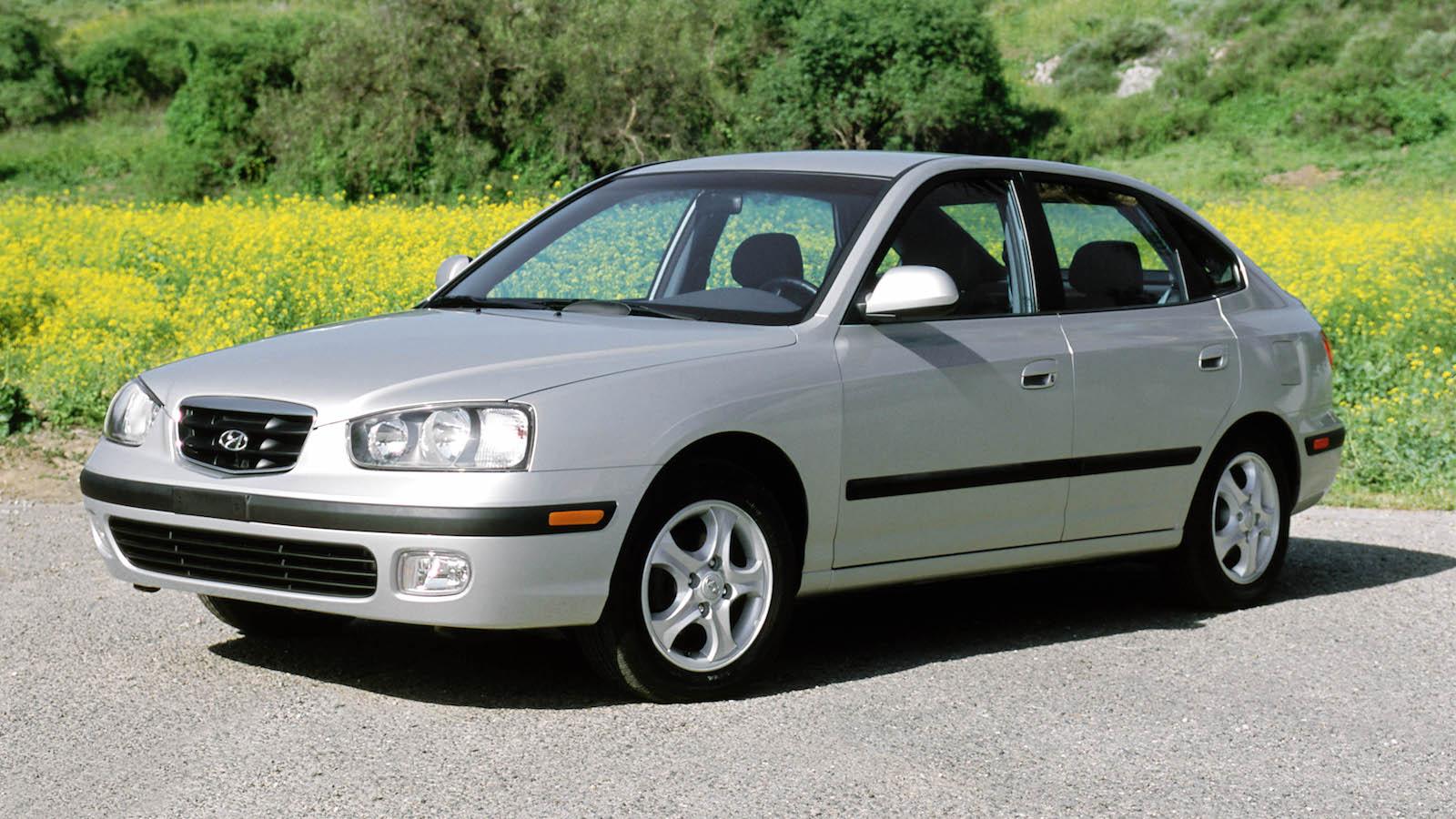 2002-Hyundai_ElantraGT-1