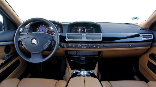2003-BMW_760Li-3