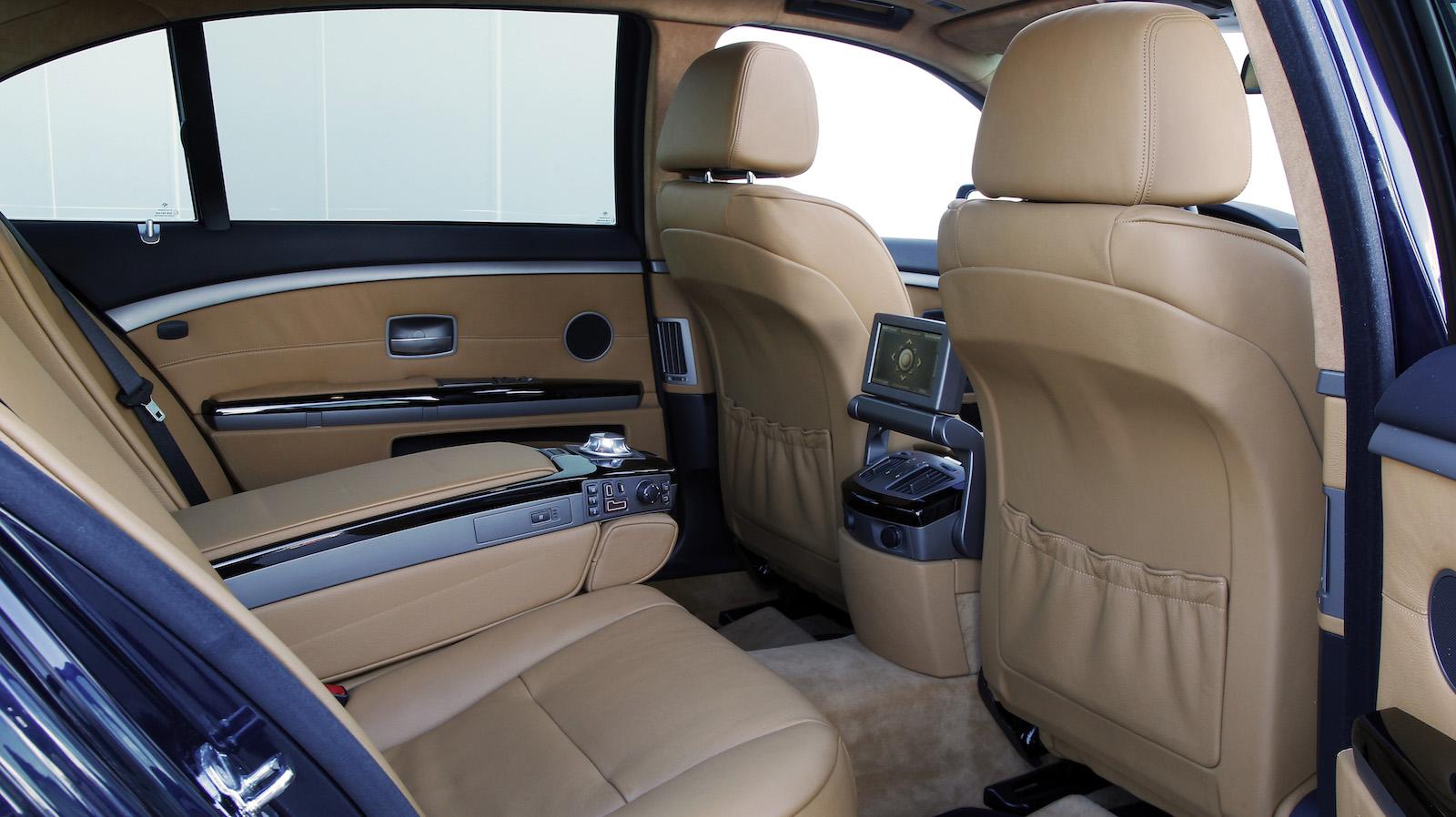 2003-BMW_760Li-4