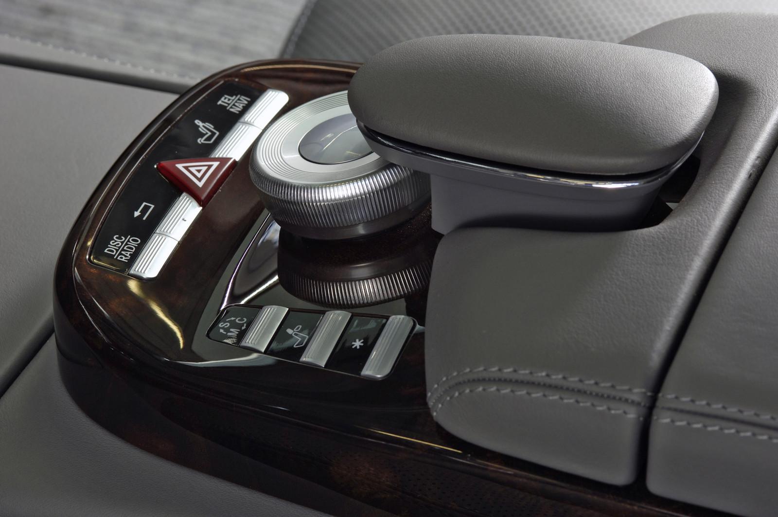 2003-Mercedes-Benz_COMAND_controller-1