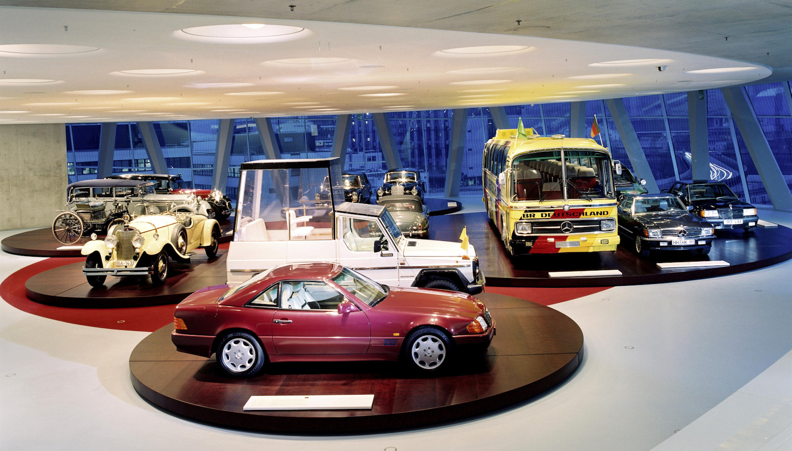2007-Mercedes-Benz_museum-1