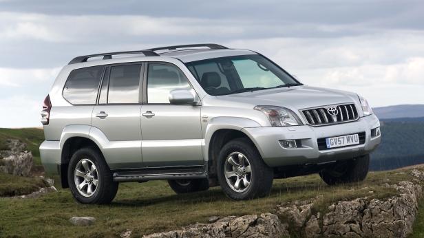 2007-Toyota_LandCruiser_120-1