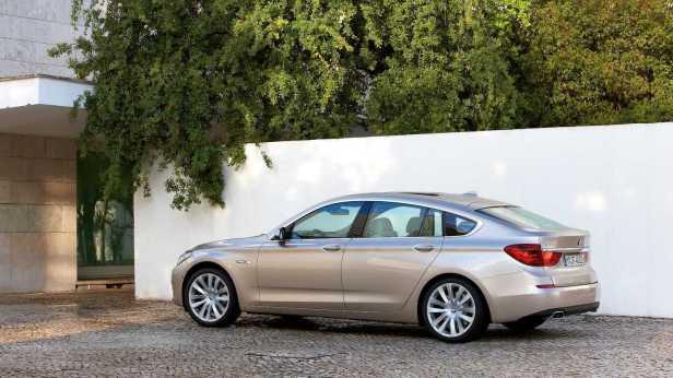 2010-BMW_5Series_GT-2