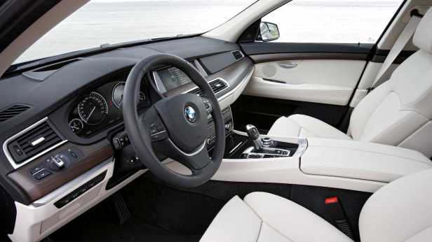 2010-BMW_5Series_GT-4