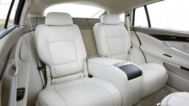2010-BMW_5Series_GT-5