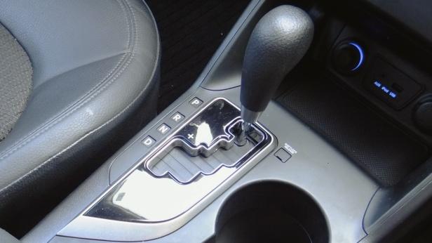 2010-Hyundai_Tucson_iX-1