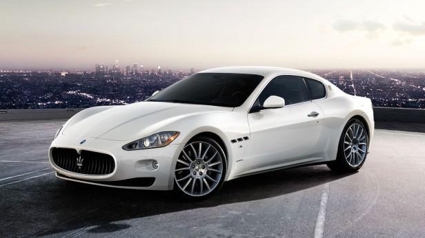 2010-Maserati_GranTurismo_S-1