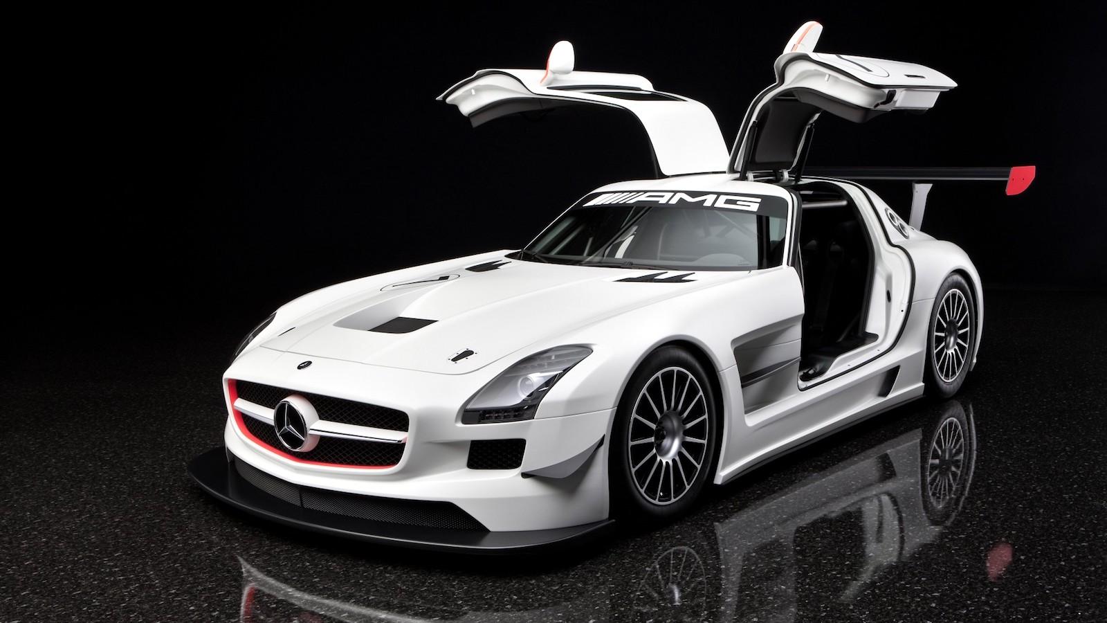 2010-Mercedes-Benz_SLS_AMG_GT3-1