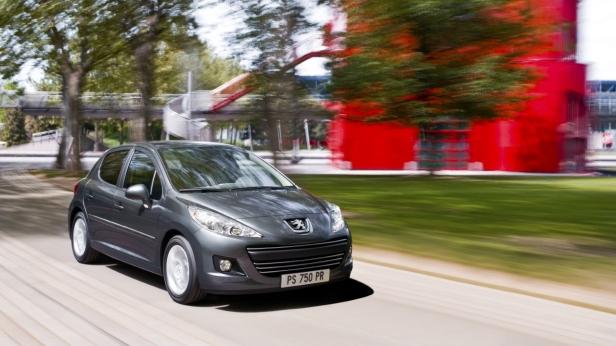 2010-Peugeot_207-1