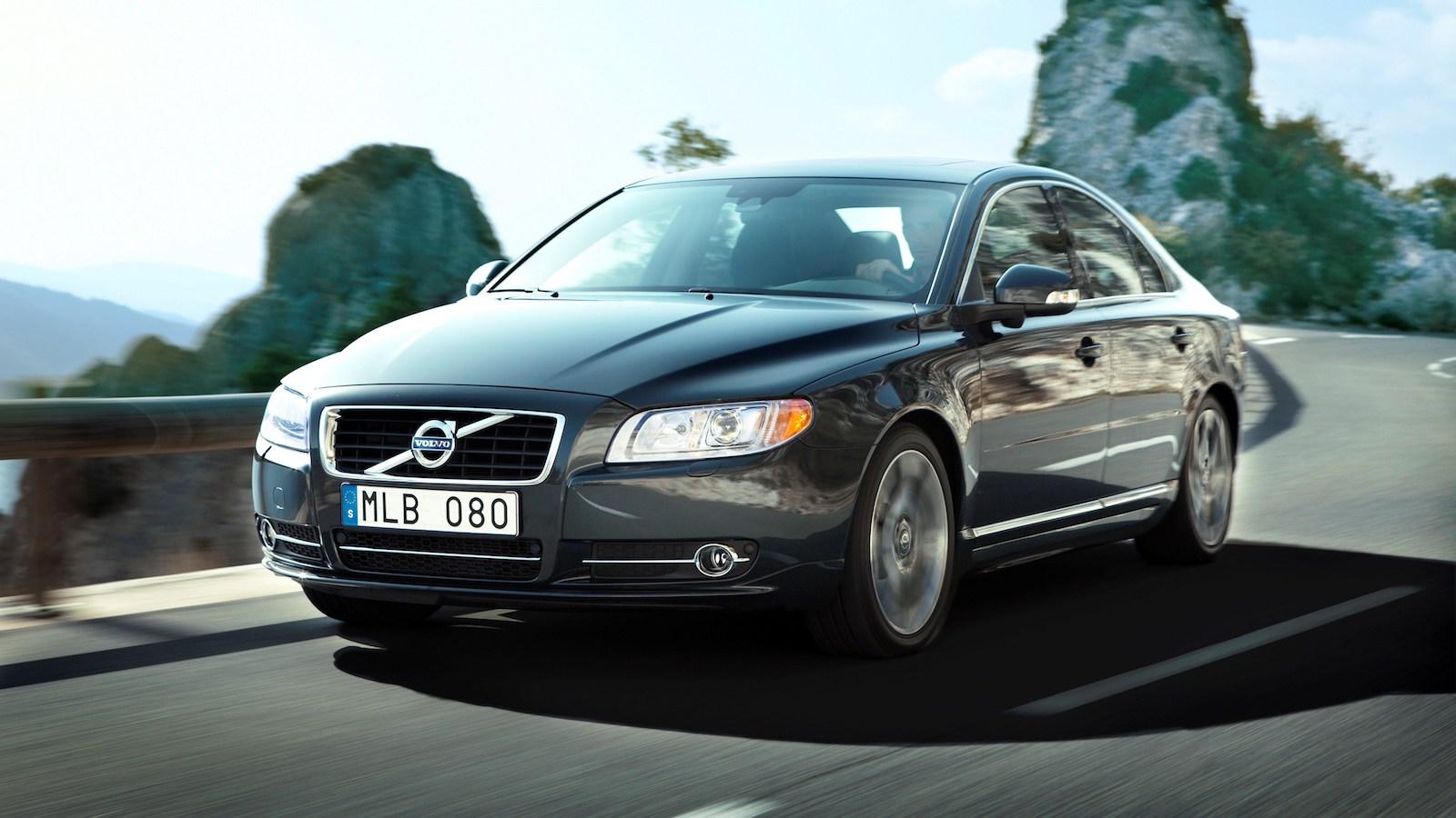 2010-Volvo_S80-4