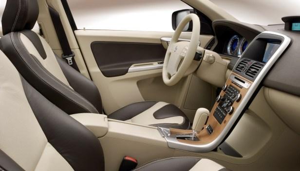 2010-Volvo_XC60-2