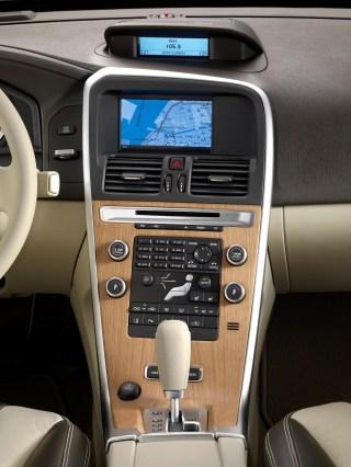 2010-Volvo_XC60-3
