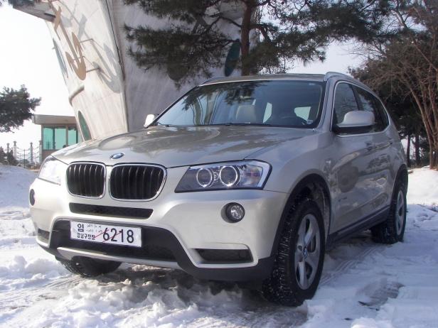 2011-BMW_X3(MY)-1