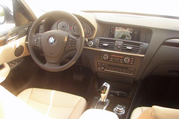 2011-BMW_X3(MY)-3