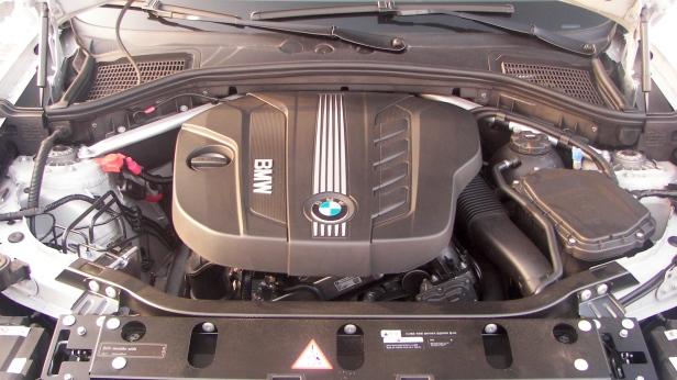 2011-BMW_X3(MY)-4