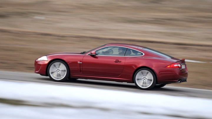 2011-Jaguar_XK_Coupe-3