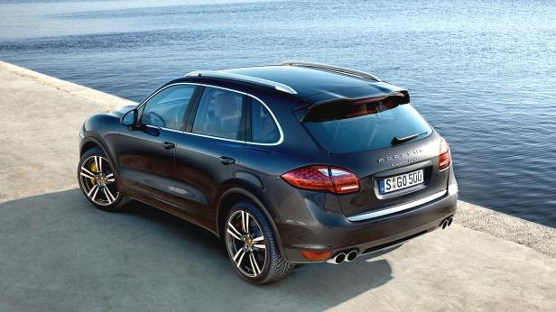 2011-Porsche_Cayenne_Turbo-2