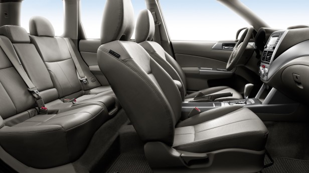 2011-Subaru_Forester-3
