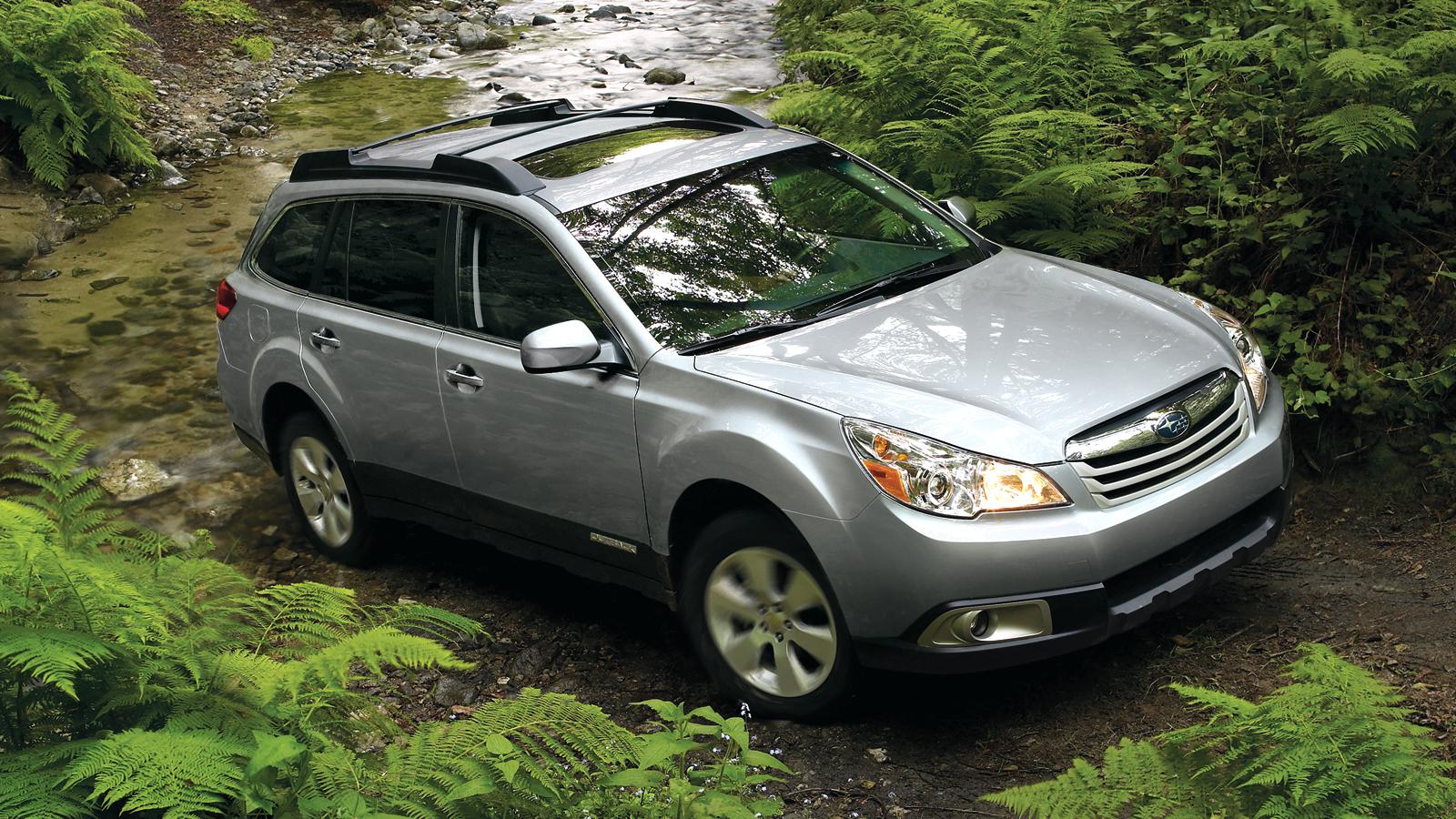 2011-Subaru_Outback-4
