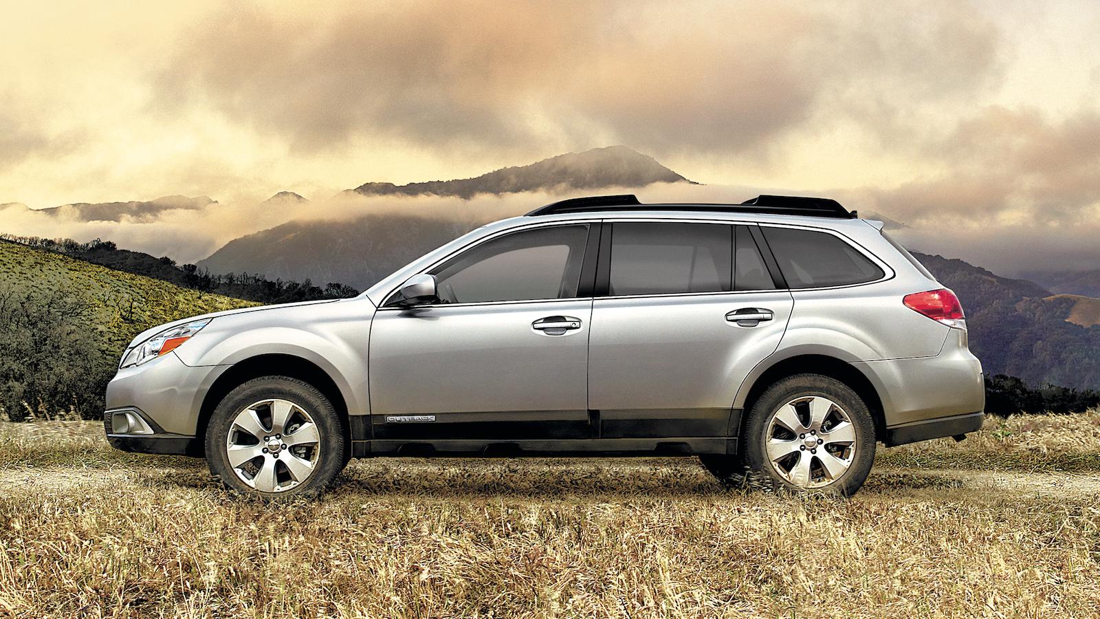 2011-Subaru_Outback-5