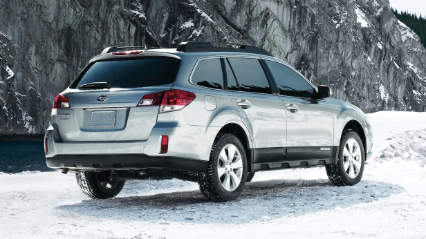 2011-Subaru_Outback-6