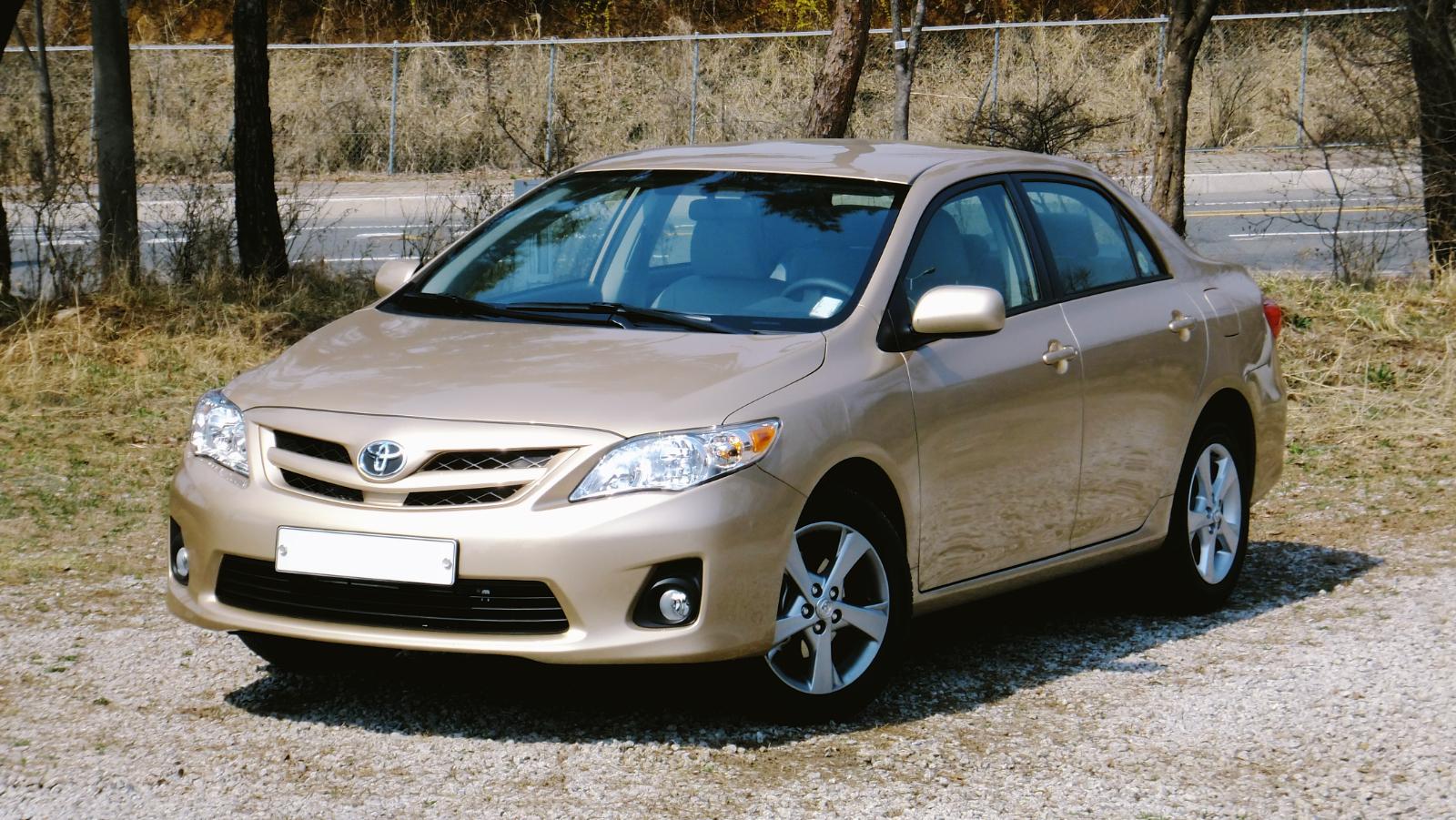 2011-Toyota_Corolla_KR-1